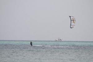 Kitesurfing i Hurghada (foot: Helge Grande Stærk)